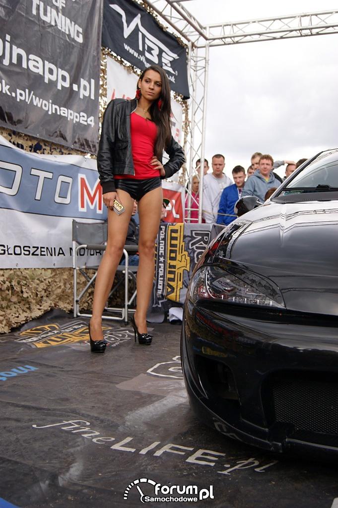 Opel Tigra, czarna, dziewczyna, 2