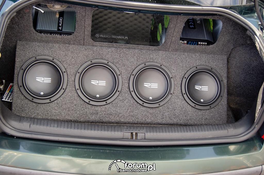 Volkswagen Passat B5, zabudowa bagażnika Car Audio, 2