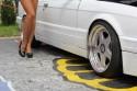BMW E30 i zgrabne nogi