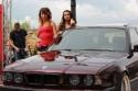 BMW E34 seria 5, dziewczyny