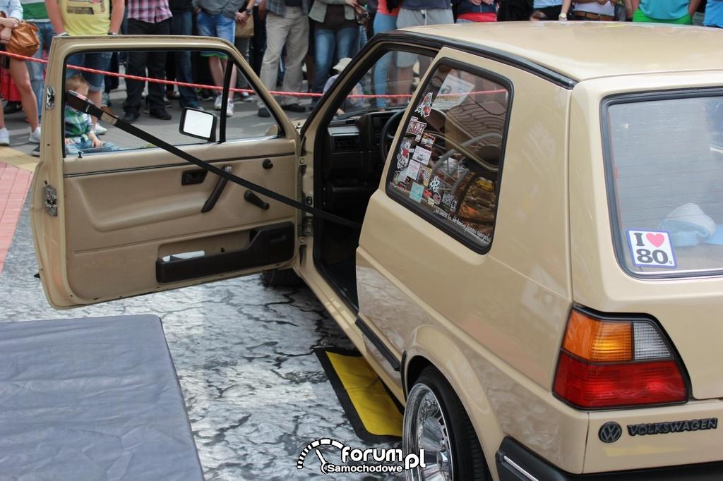 Volkswagen Golf II, amerykańska wersja pasów