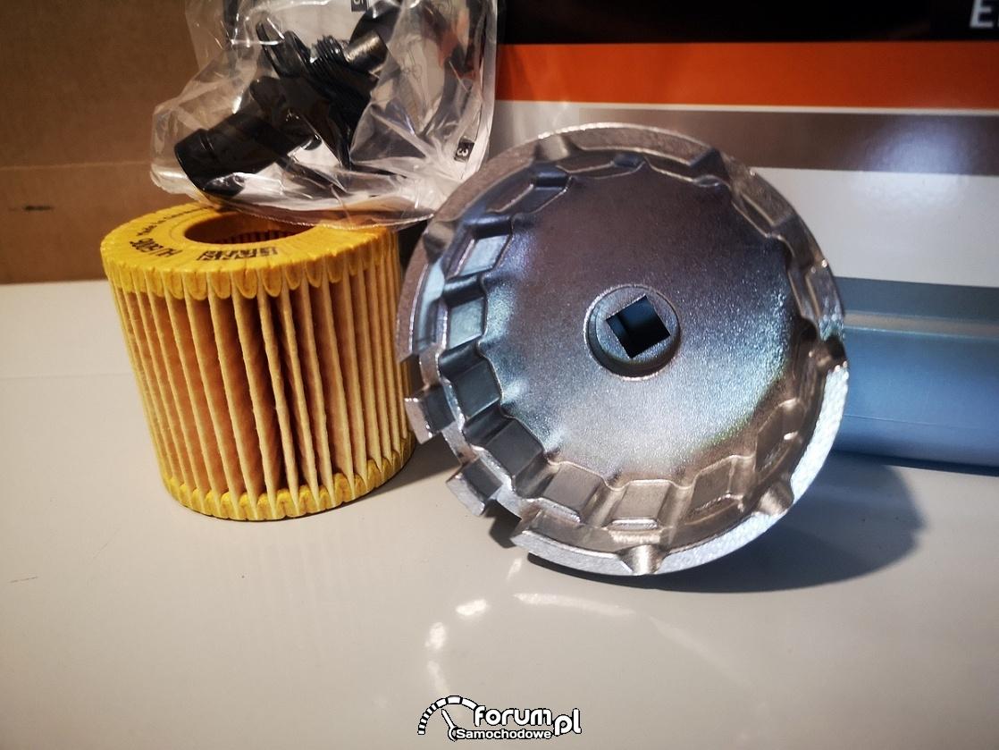 Klucz do filtra oleju w silniku - Toyota Auris 1.8 Hybrid