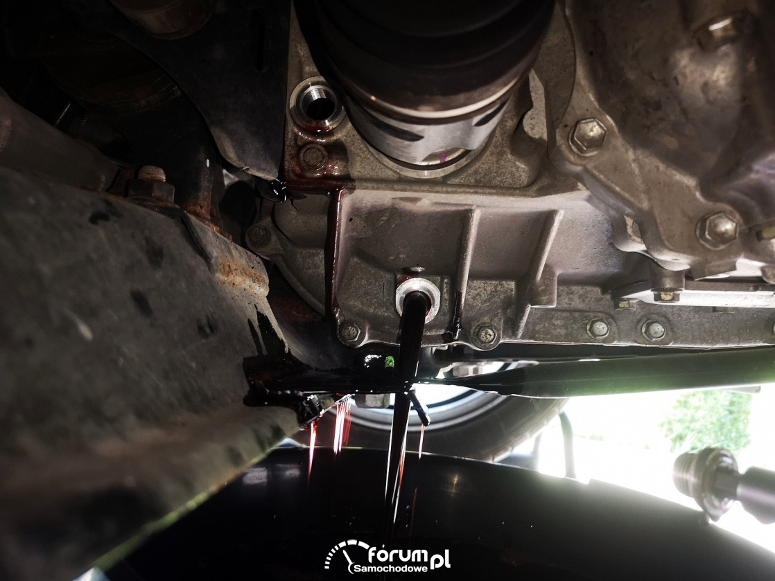 Spuszczanie oleju ze skrzyni biegów e-CVT