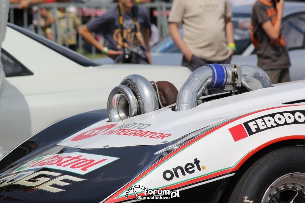 Chevlolet Corvette VTG 4x4 Turbo, wystająca turbina nad maską przednią