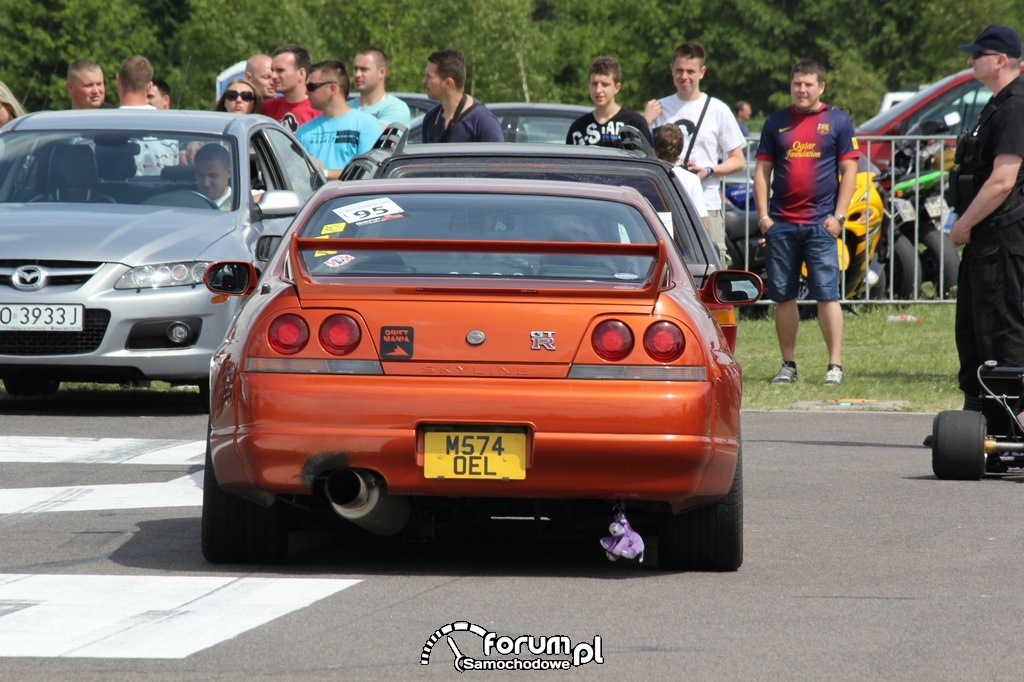 Nissan Skyline GTR, tył