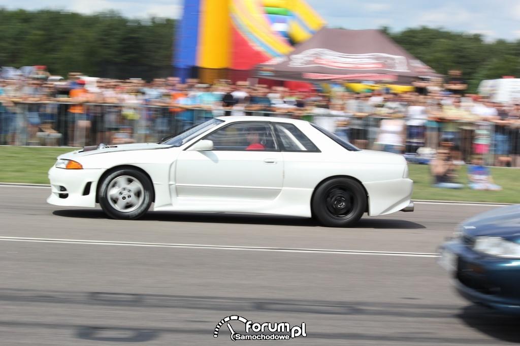 Nissan Skyline GTR vs Nissan 200SX