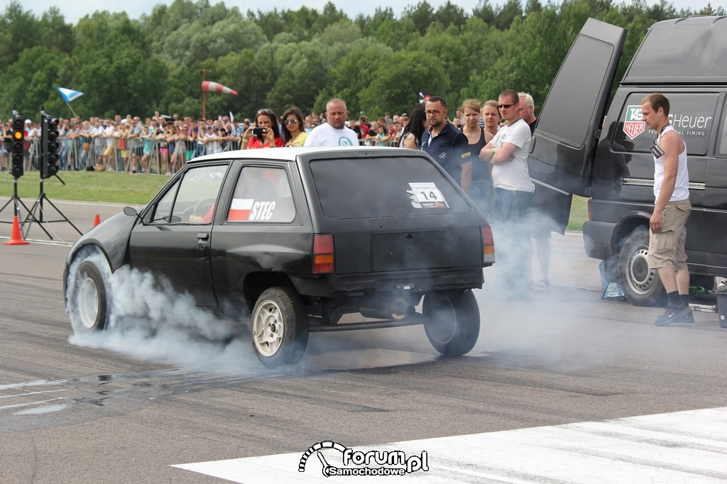 Opel Corsa, Stec, rozgrzewanie opon, 3