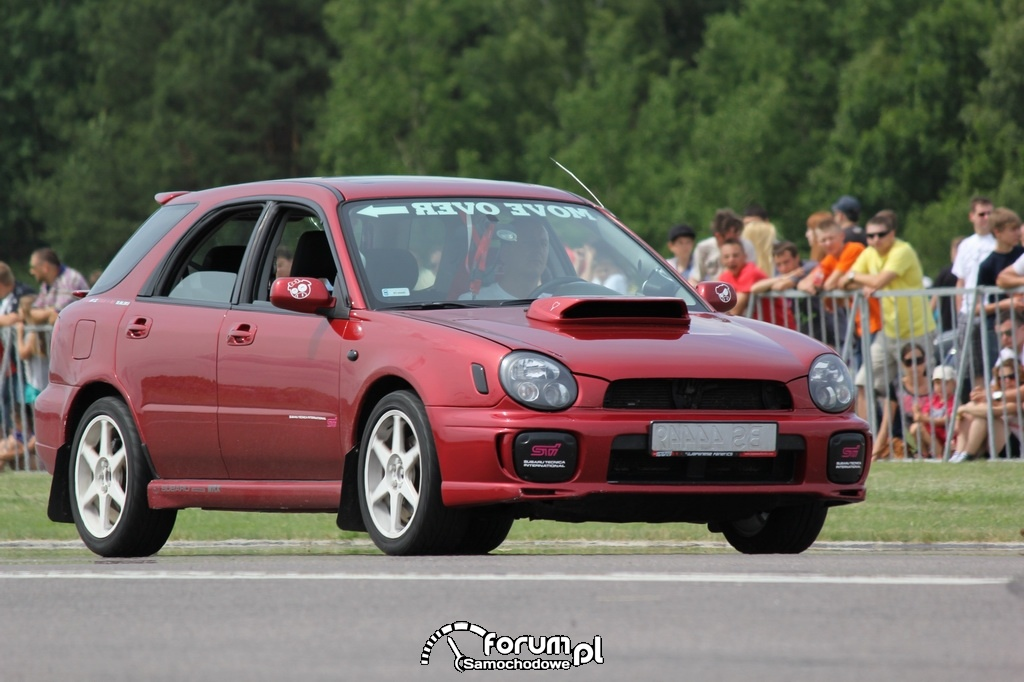 Subaru Impreza WRX Kombi, Move Over Right