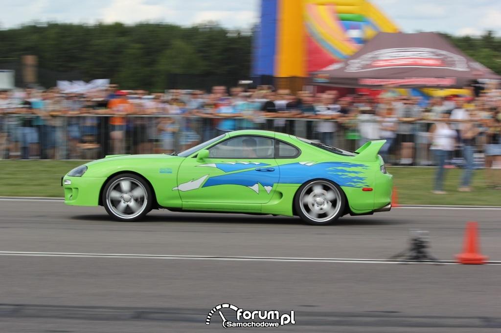 Toyota Supra, wyścigi równoległe, bok, 2