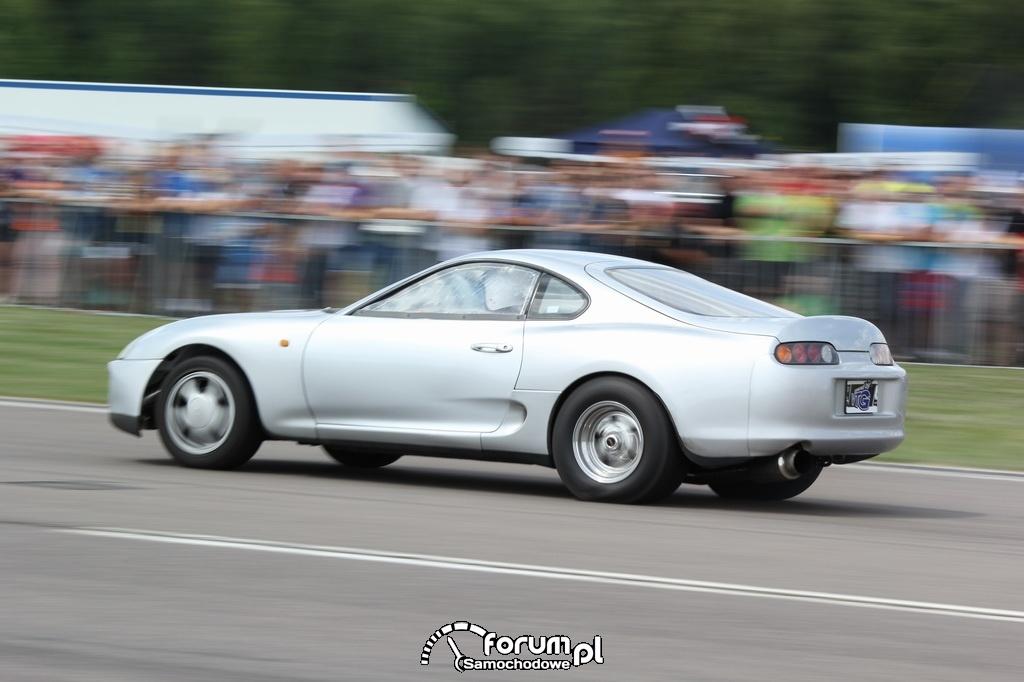 Toyota Supra, wyścigi równoległe