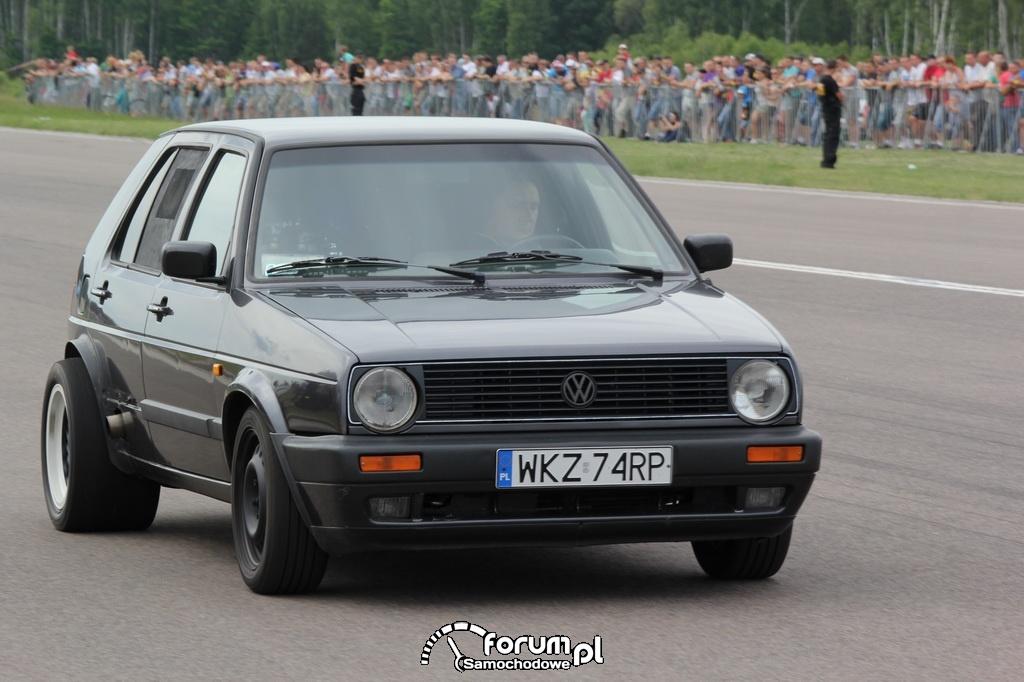 Volkswagen Golf II z napędem na tył, widok z przodu
