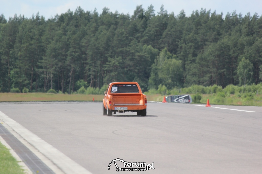 VW Golf I PickUp na lotnisku