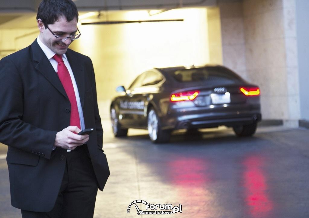 Audi otrzymuje w USA dwie nagrody za system zdalnego parkowania na parkingach wielopoziomowych