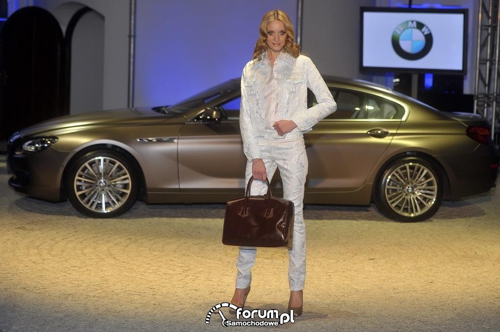 BMW 650i Gran Coupe, Elegancka torba, Modelka