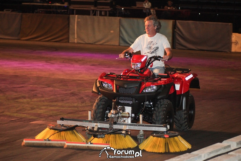 Car Curling, James May, Top Gear Live
