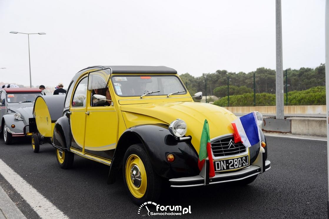 Citroen 2CV, żółto-czarny