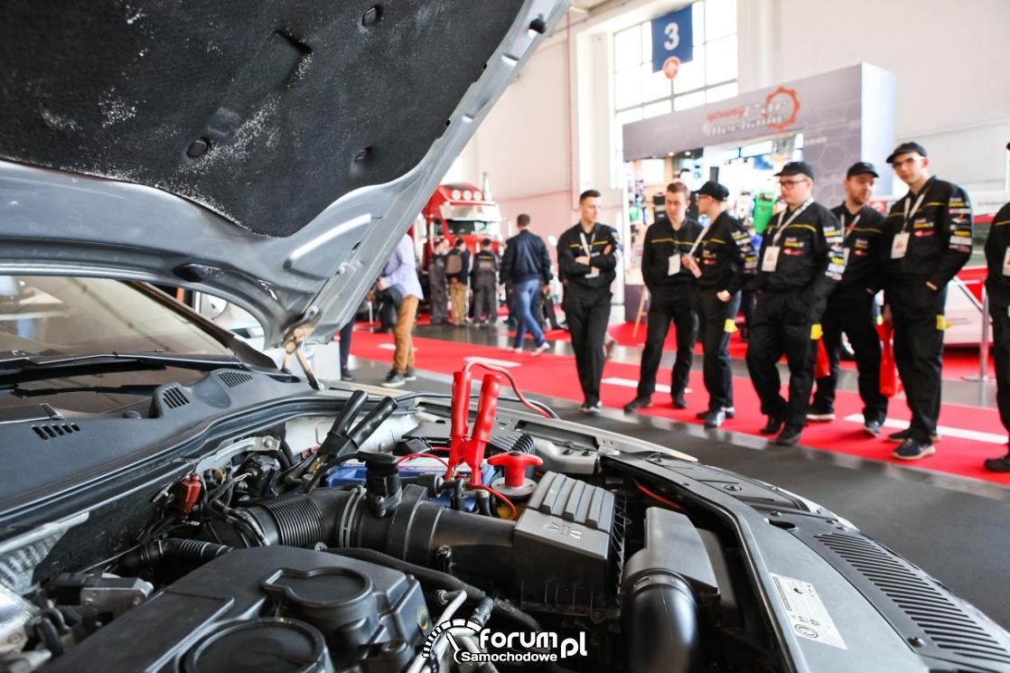 EkoFlota, silnik, akumulator i kable rozruchowe