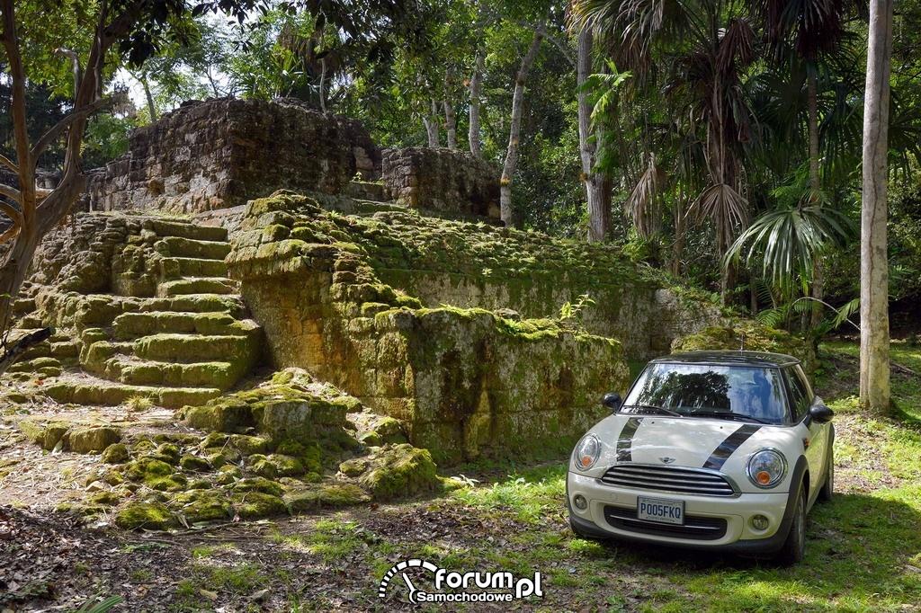 MINI Cooper, wizyta w Tikal, Guatemala