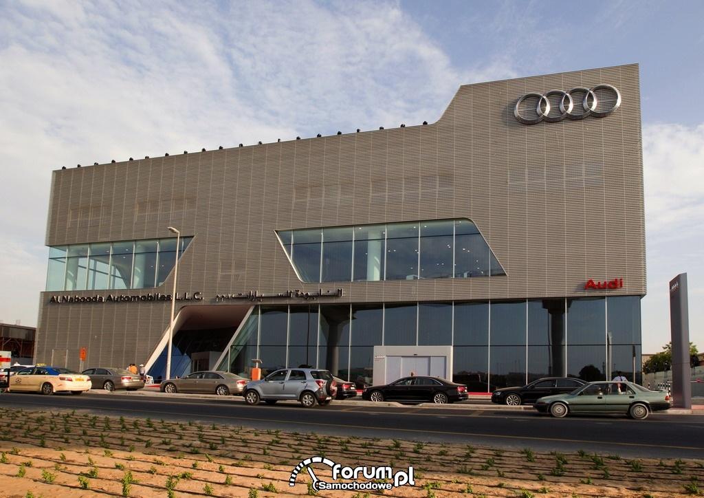 Największy na świecie salon Audi w Dubaju, dzień