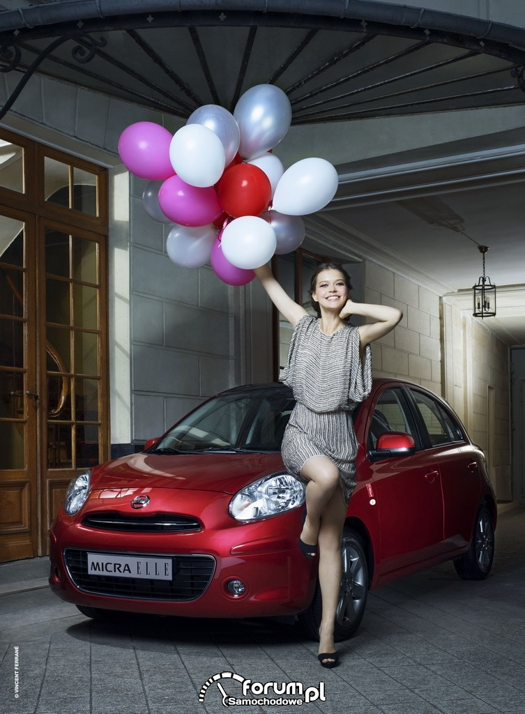 Nissan Micra ELLE, balony, modelka