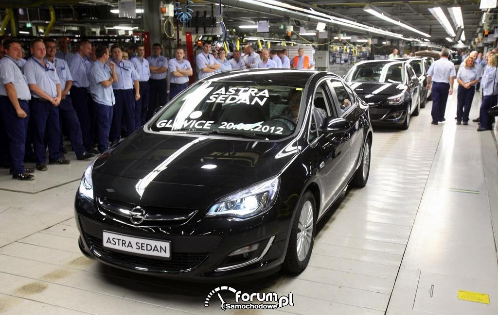 Opel Astra Sedan, Gliwice, przód