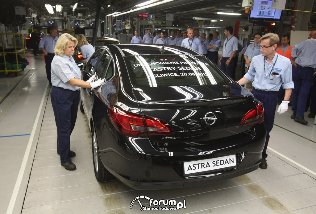 Opel Astra Sedan, Gliwice, tył
