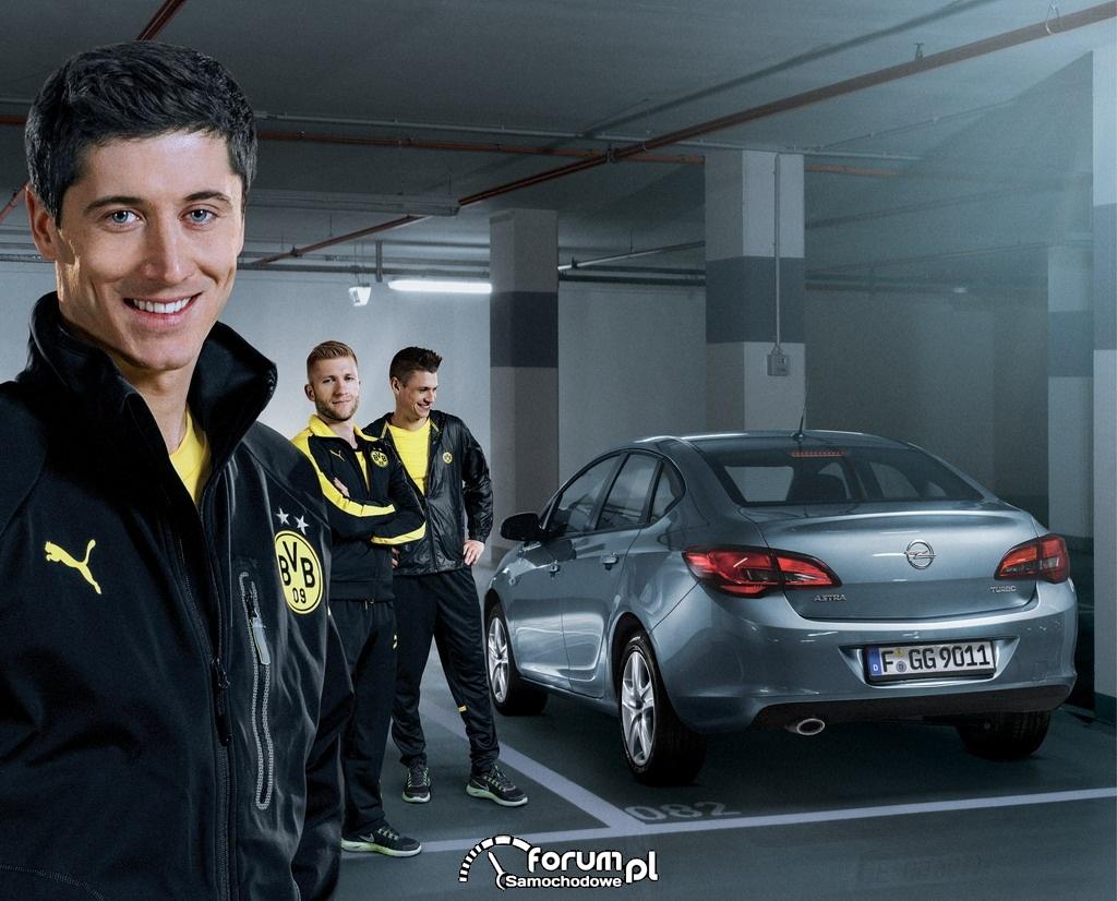 Bliska współpraca Opla z polską trójką piłkarzy z Dortmundu