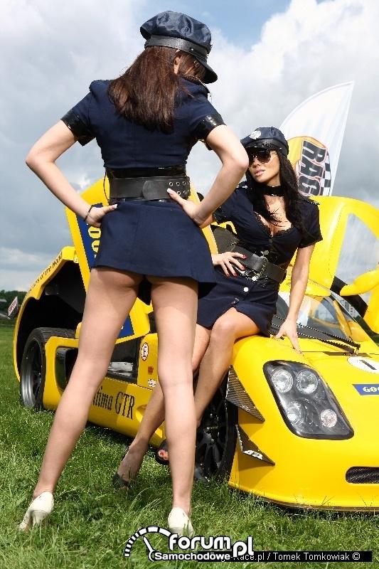 Piękne policjantki Rage-Race