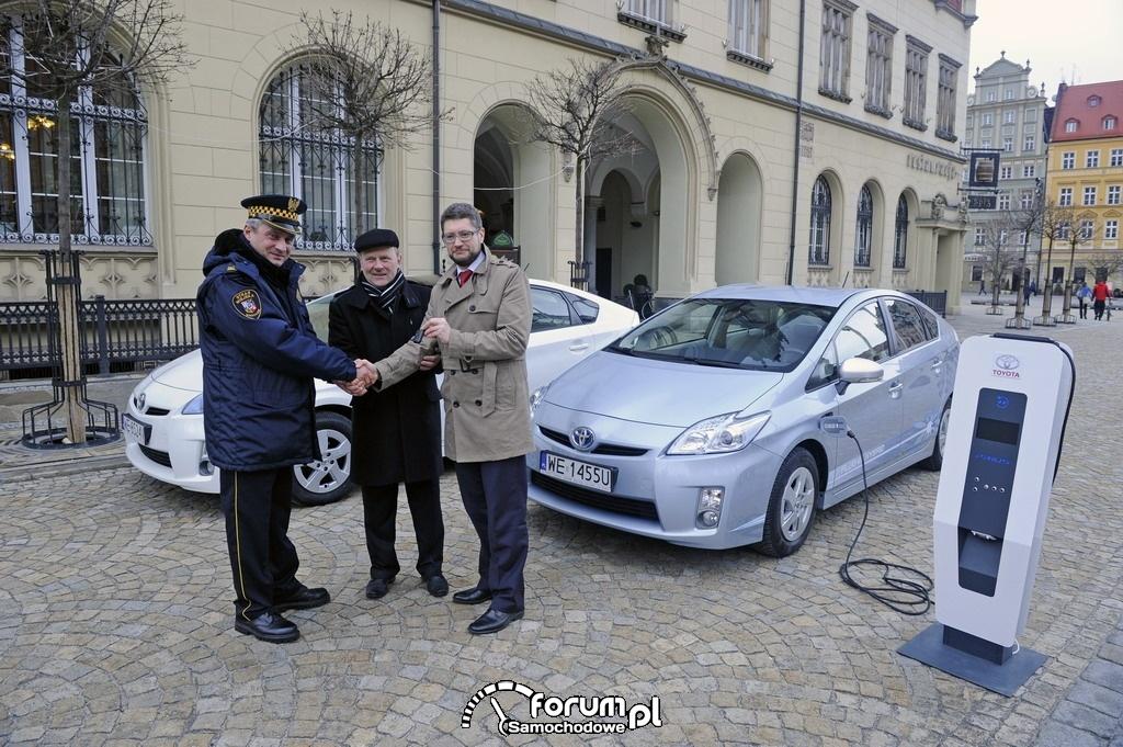 Prototypowa Toyota Prius Plug In dla Wrocławia.