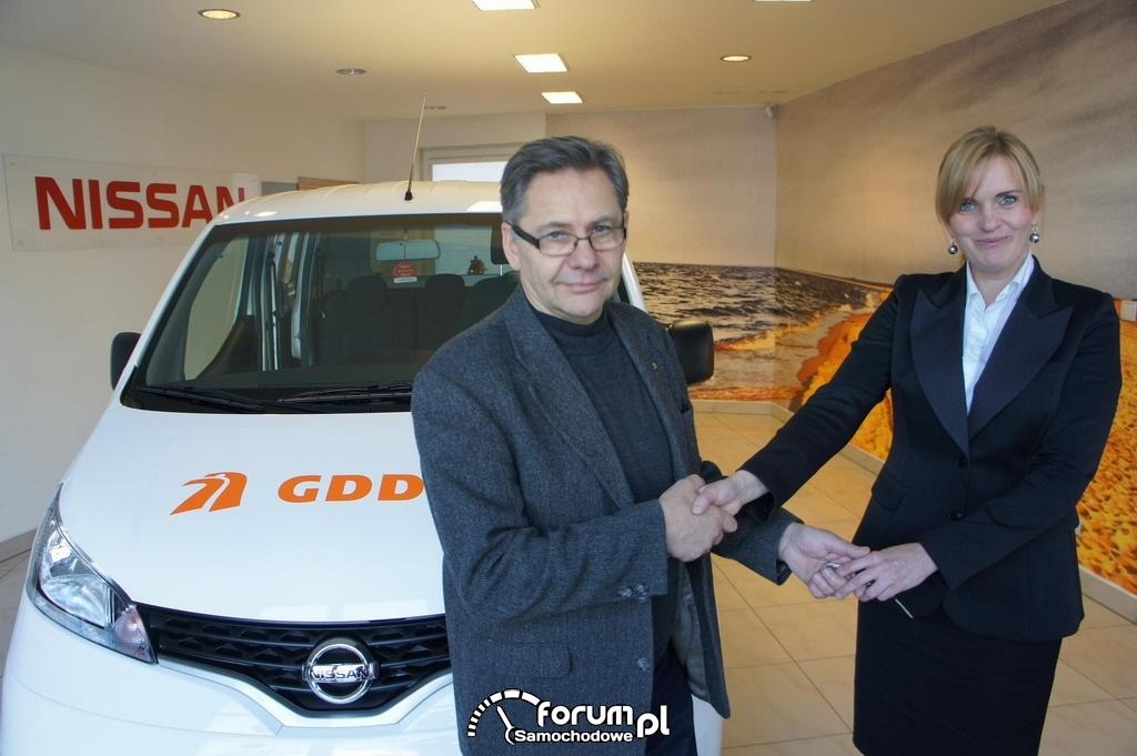 Przekazanie kluczyków do Nissana NV200 przez Panią Iwonę Bartosik z warszawskiego Działu Flotowego NISSAN Sales Central & Eastern Europe