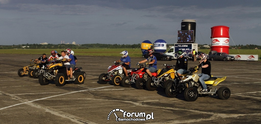Quady - Samochód odrzutowy - Extremizer Motor Show, Lotnisko Rudniki 2012