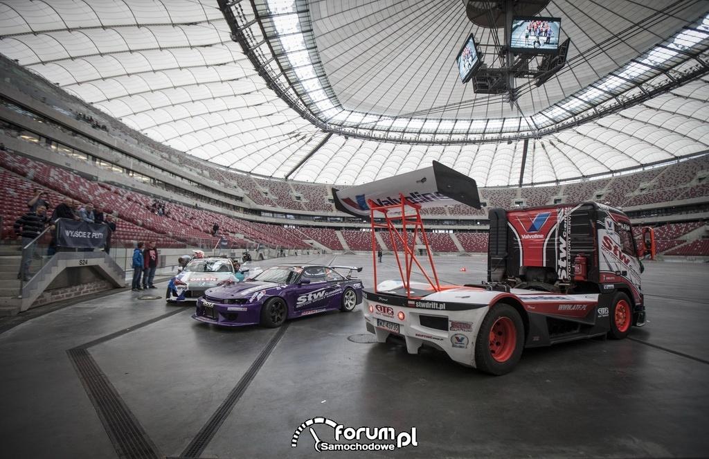 Stadion Narodowy w Warszawie, samochody STW