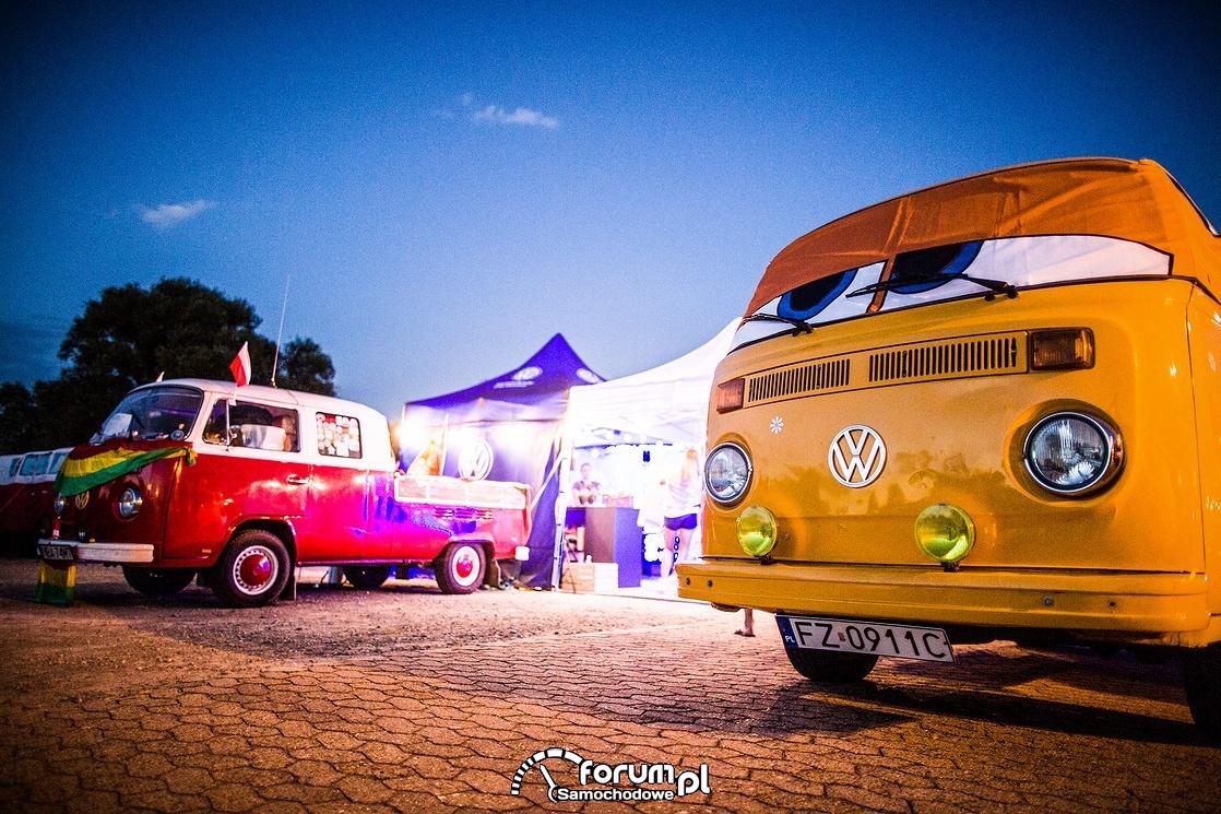 VW T Bulli, wieczór