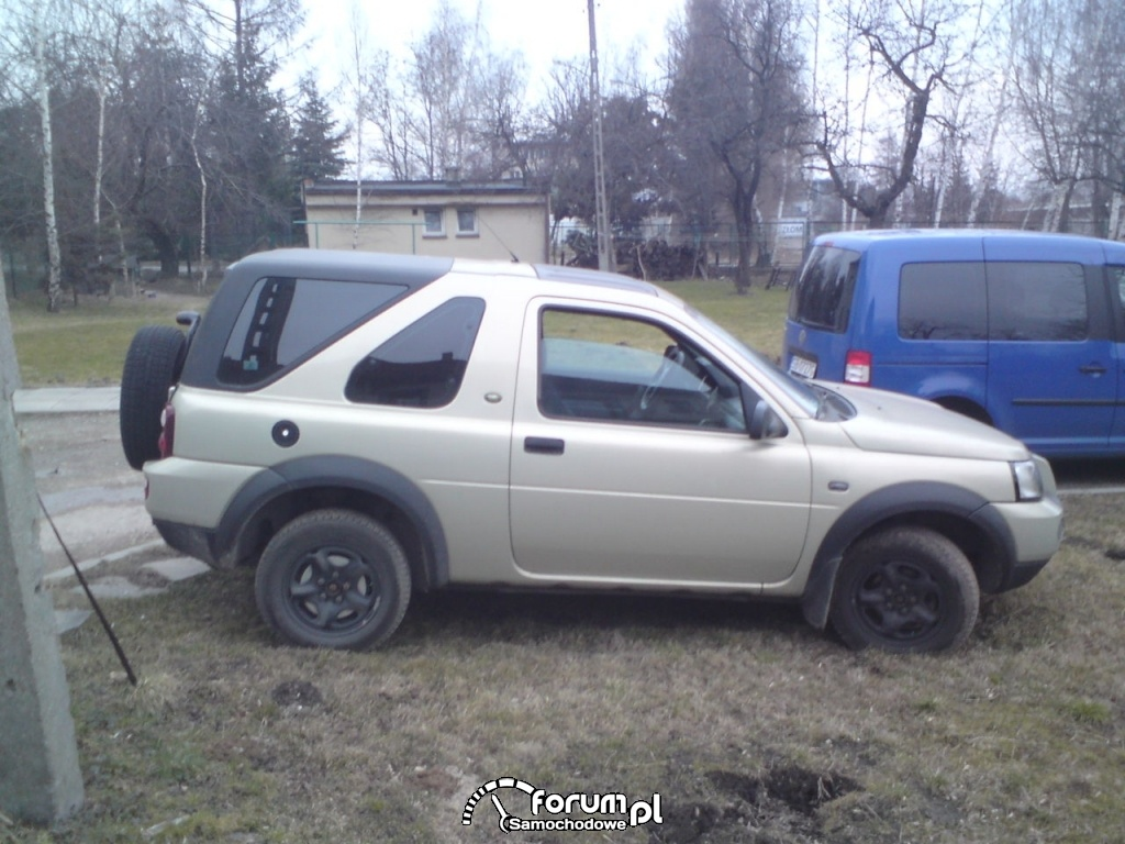 Land Rover Freelander - widok z boku